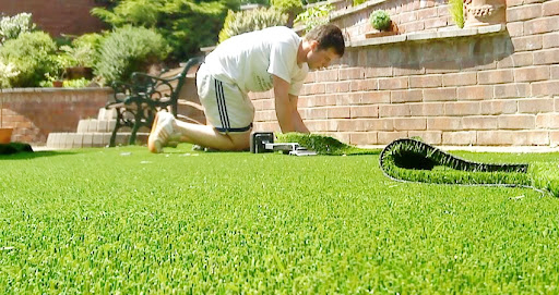 What are the benefits of installing artificial grass?